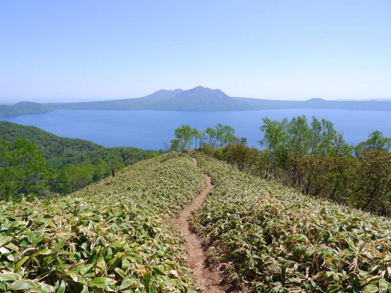 イチャンコッペ山から見た支笏湖