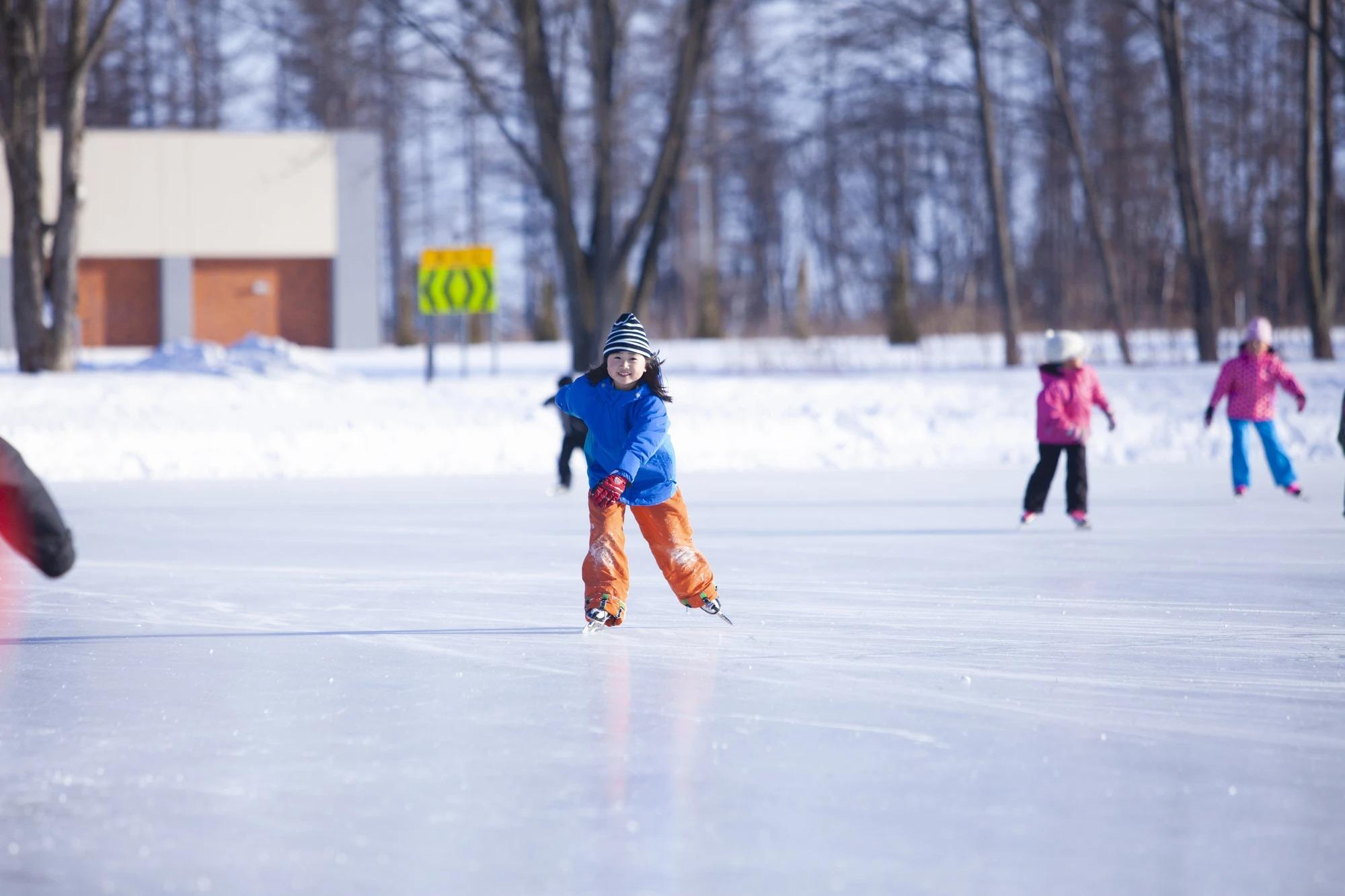 校庭にできたスケートリンク