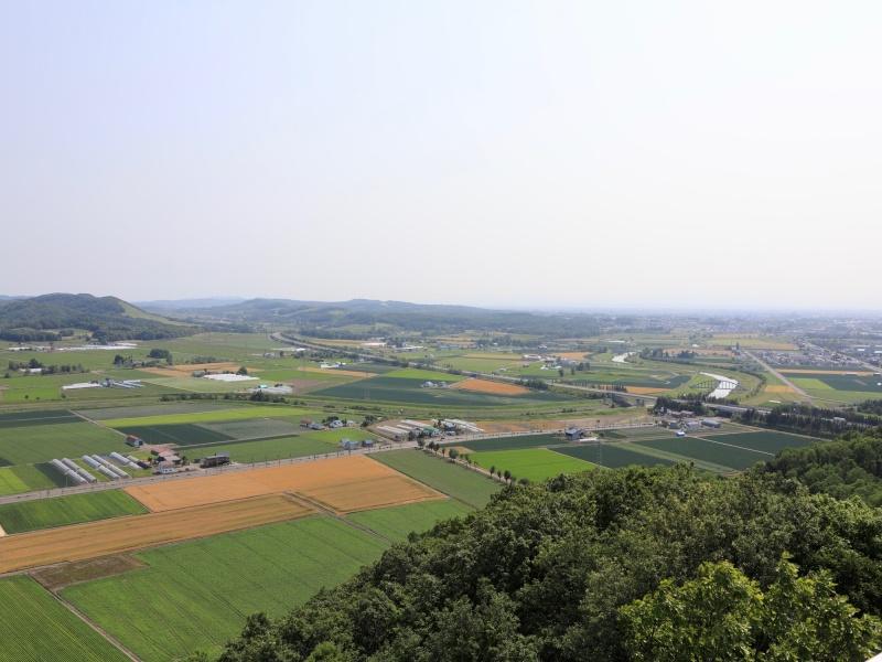 達布山展望台から見る三笠の田園地帯