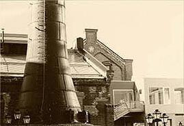 かつてのビール工場の象徴、煙突