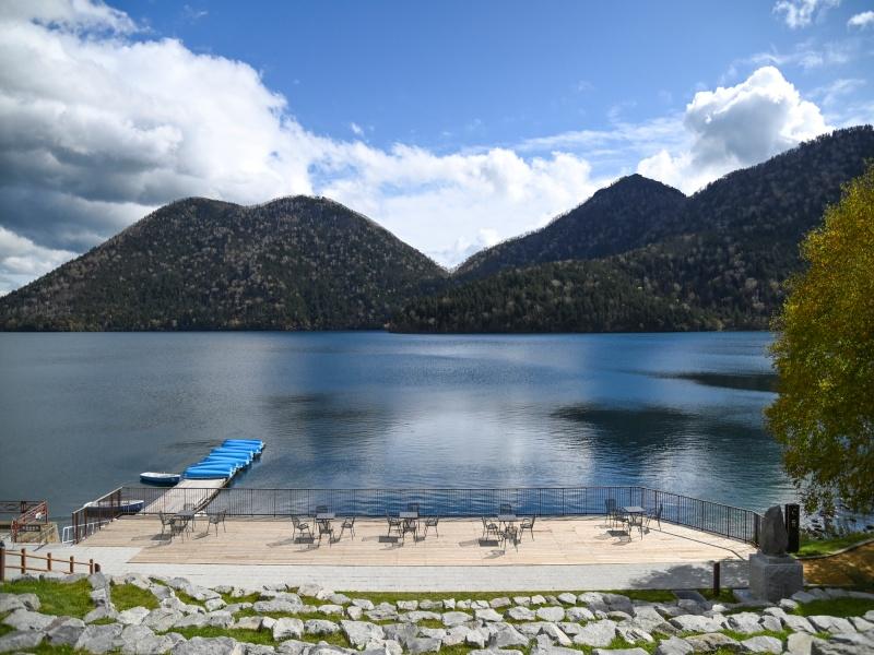 錦秋の然別湖
