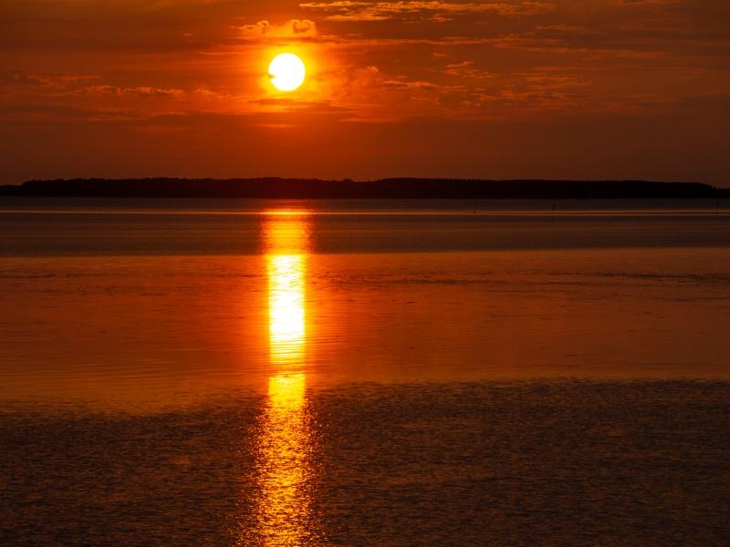 美しい湖の夕暮れ サロマ湖