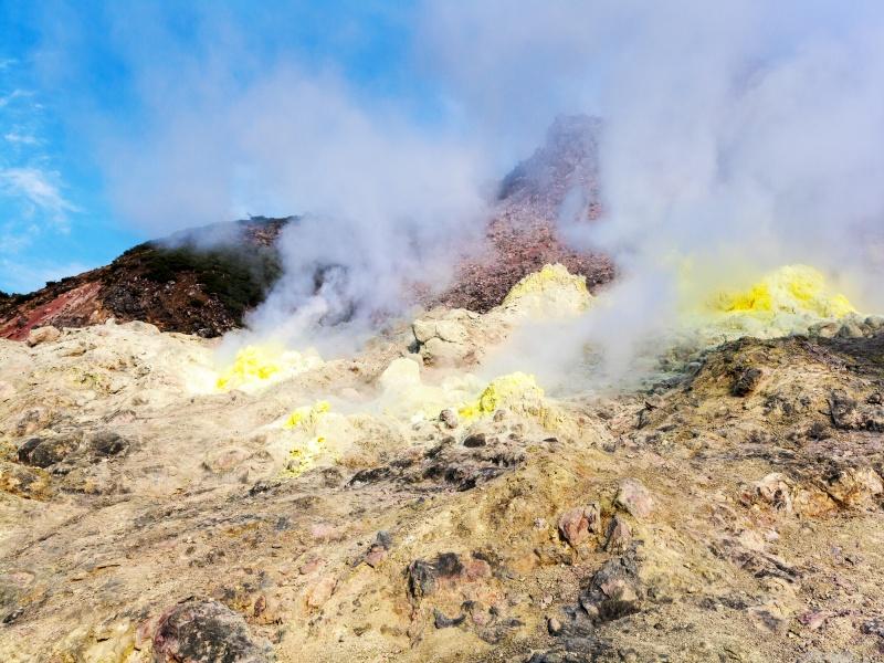 硫黄山(5月 晴れ)