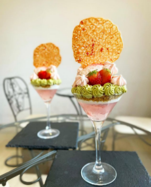 桜とピスタチオのパフェ