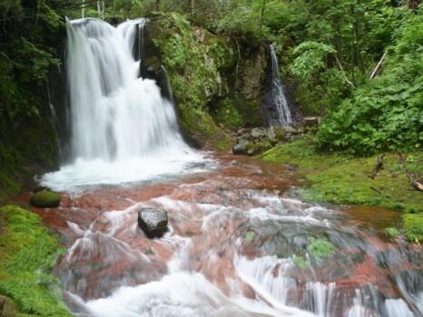 赤岩の滝(北海道・西興部村)
