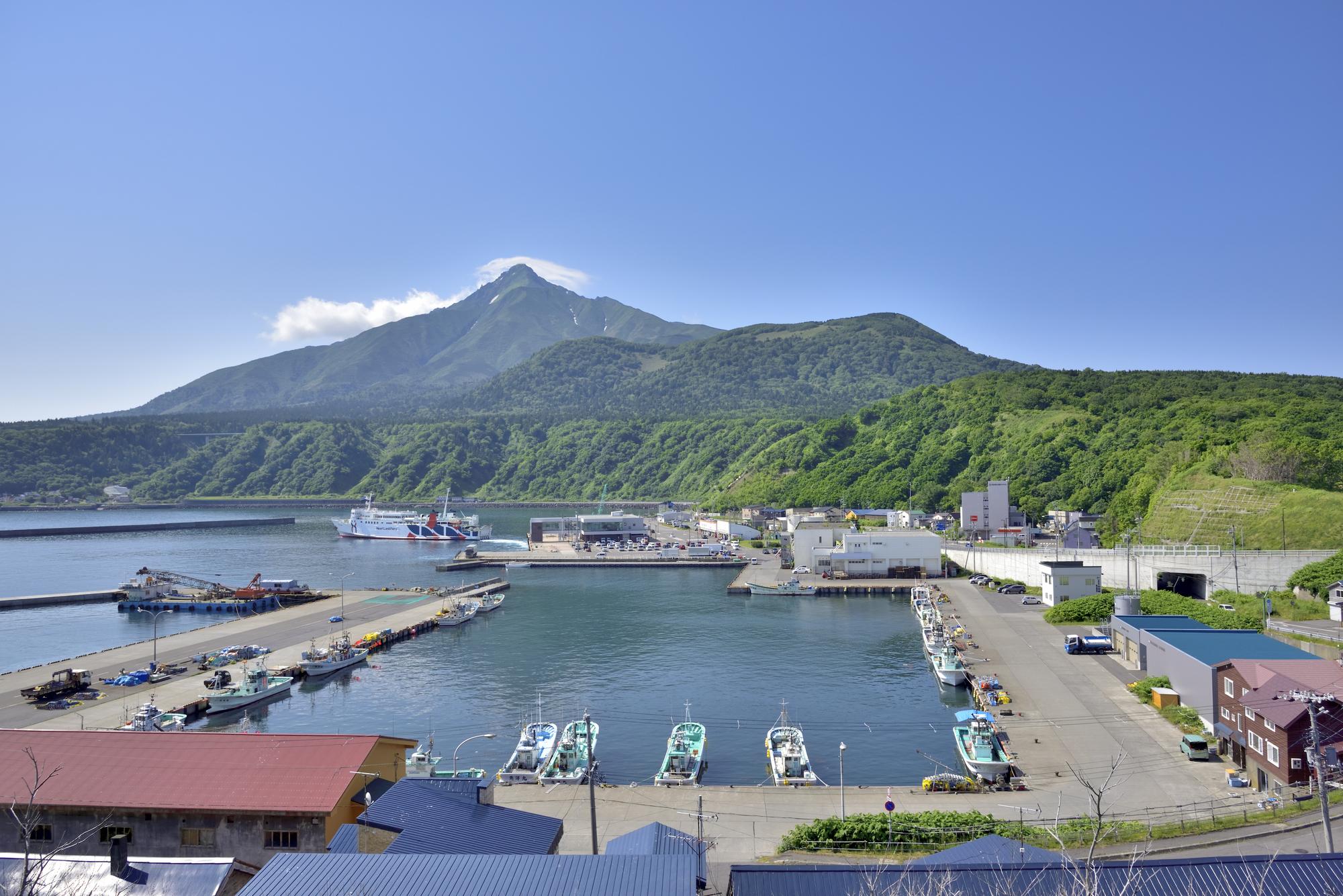 利尻島、鴛泊(おしどまり)の町と港