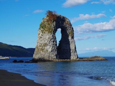 北海道の鍋釣岩