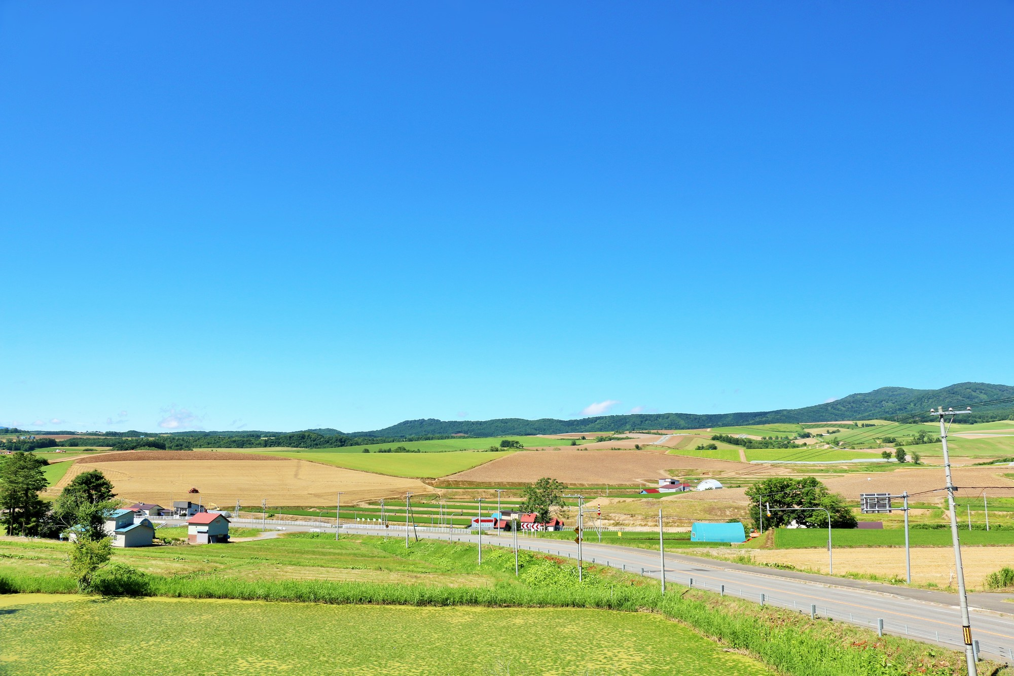 北海道 青空と田舎の風景