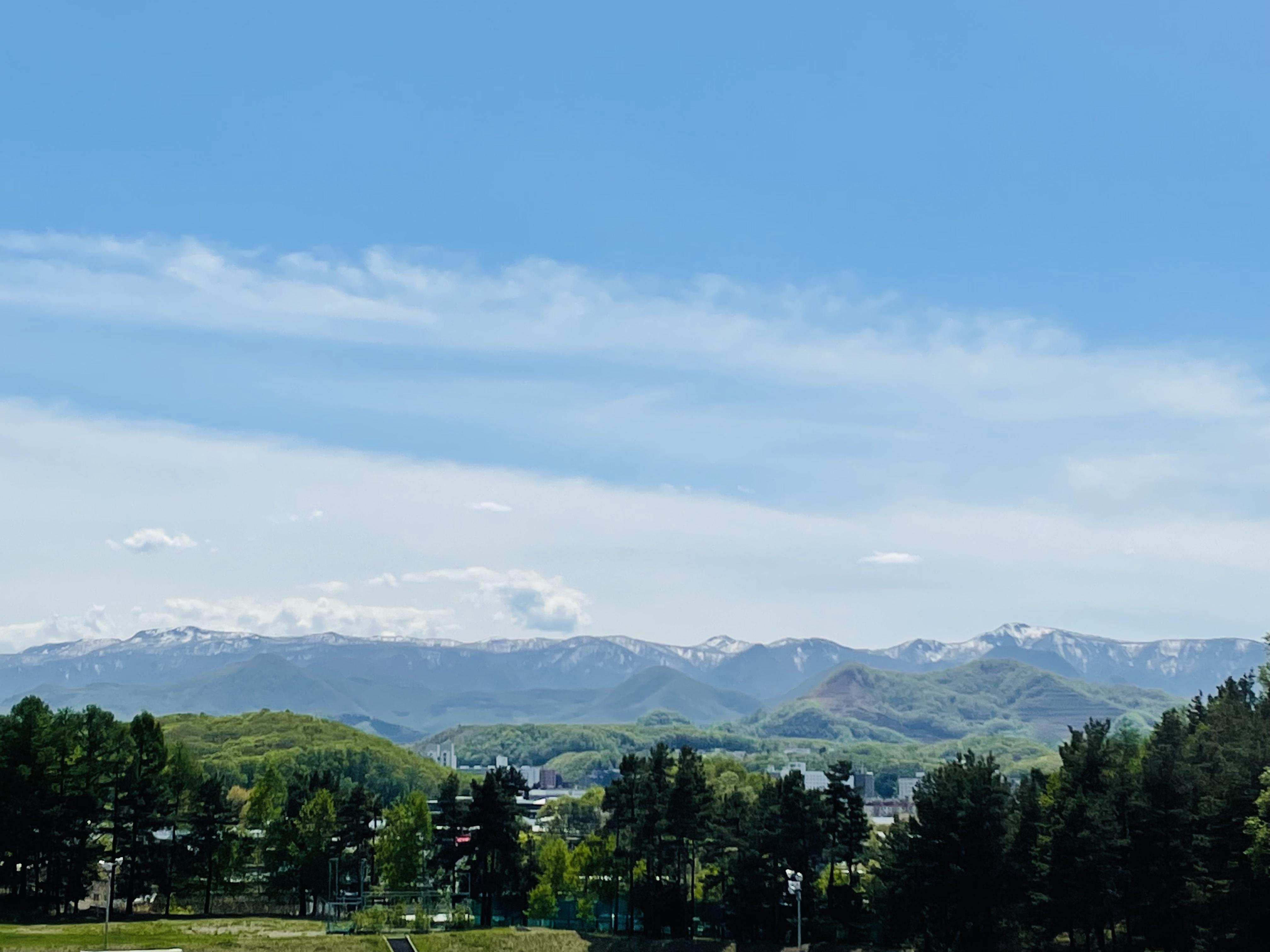 札幌新陽高校から見える山並み