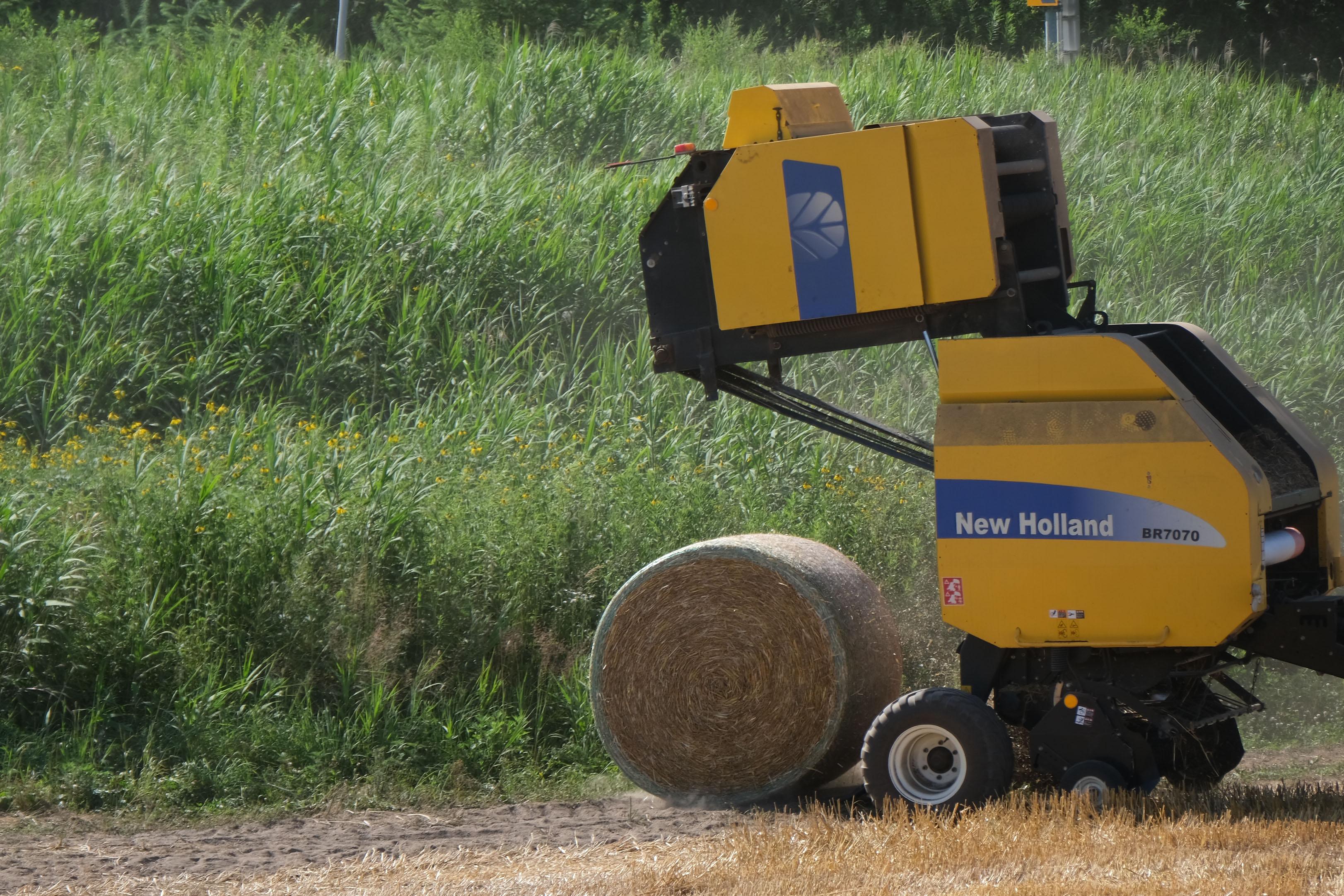 麦稈ロールの完成