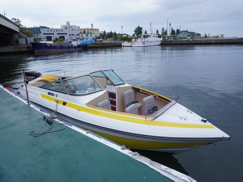 乗船したパワーボート