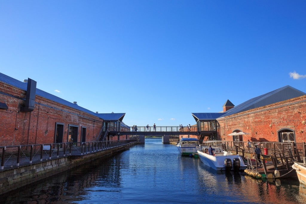 BAY運河昼間