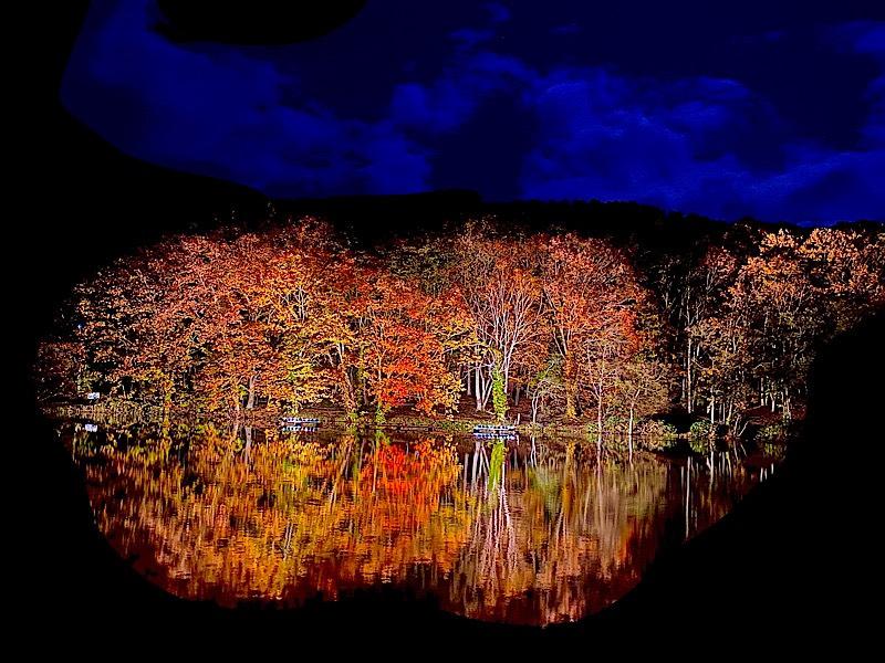 八郎沼の紅葉